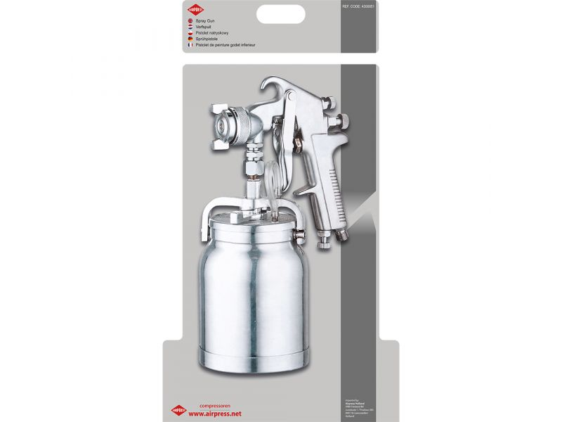 Spray gun with stainless steel needle and nozzle
