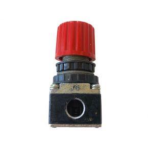 "Pressure reducing valve 1/4"" 8 bar"